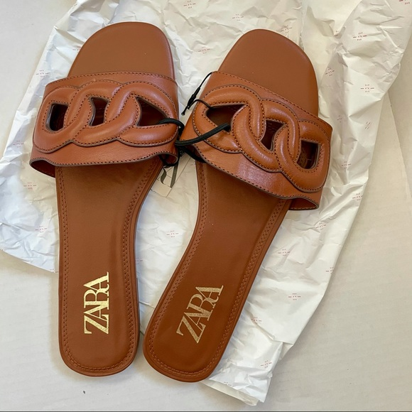 ZARA Raised Detail Leather Slides BNWT